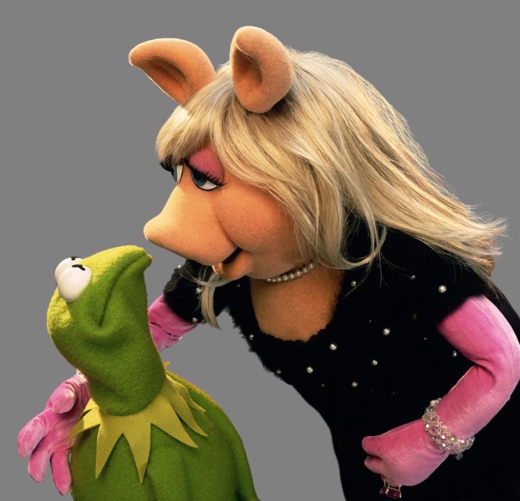 Miss Piggy on Twitter