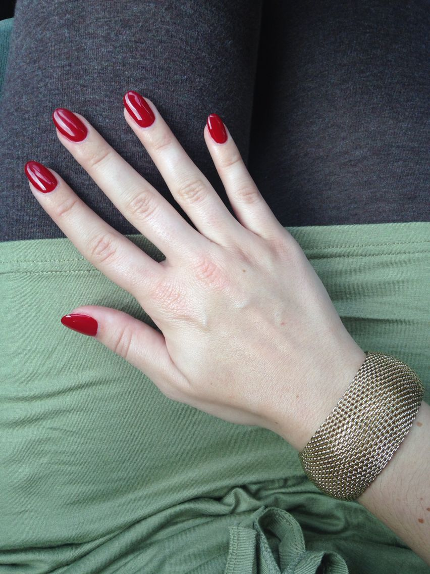 Red oval nails | Nails | Pinterest | Nagelschere und Fingernägel