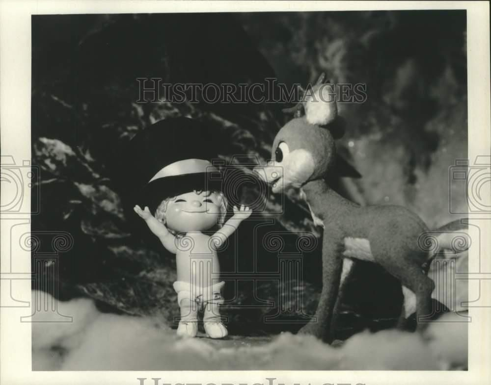 """1977 Press Photo Baby New Year and Rudolph in """"Rudolph's"""