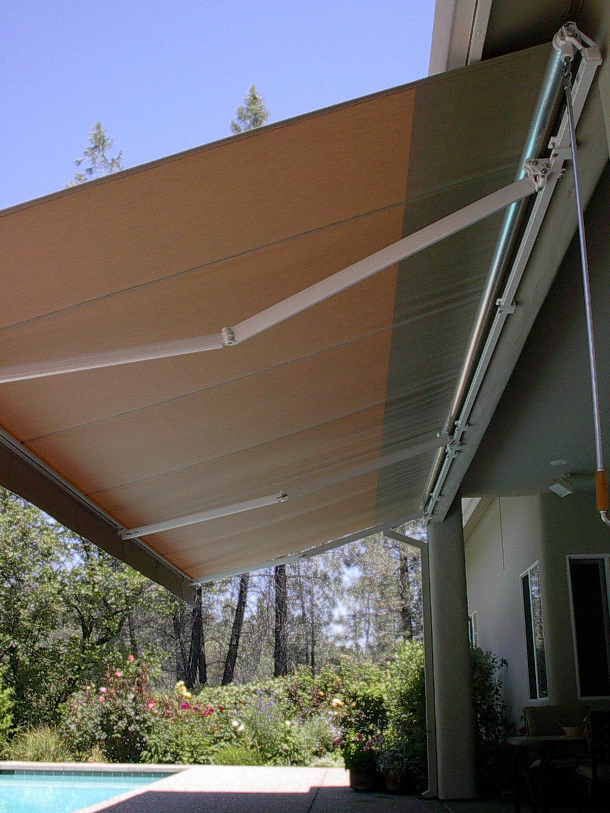 Custom Covers 4 You 530 365 0051   Retractable Awnings Custom Shade Patio