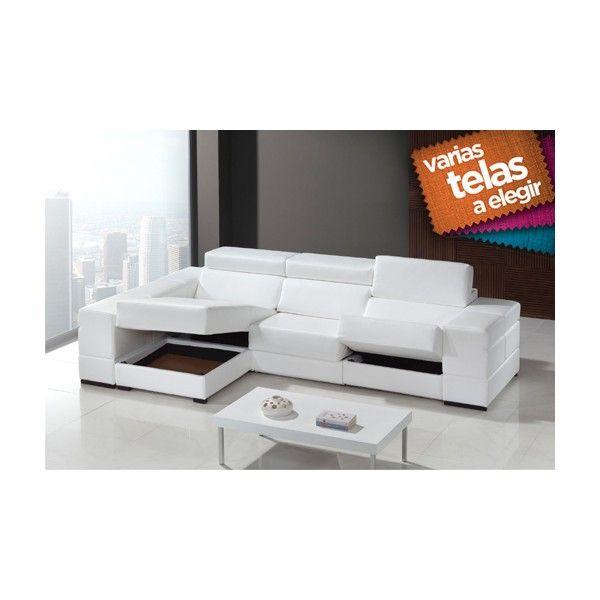 Moderno sofá con chaise longue a la izquierda y dos puff tapizado