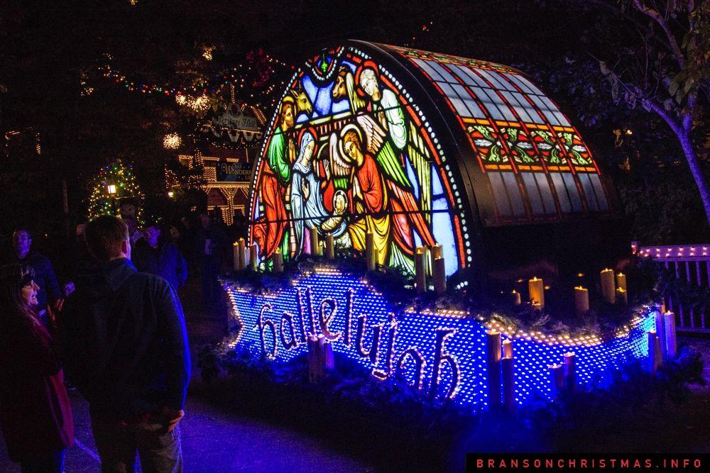 Rudolph\u0027s Holly Jolly Christmas light parade at Silver Dollar City