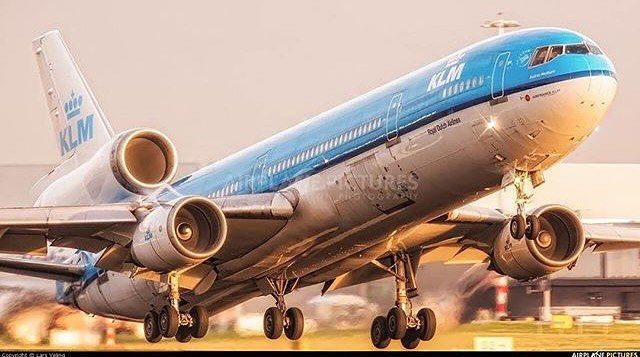 Dutch MD-11 still shining through ✨ ➖➖➖➖➖➖➖➖➖➖➖➖➖➖➖ @insta.pilots ➖➖➖➖➖➖➖➖➖➖➖➖➖➖➖ #avfan #avgeek #avnerd #avporn #avlover #aircraft #aviation #aviationfan #aviationgeek #aviationnerd #aviationporn...