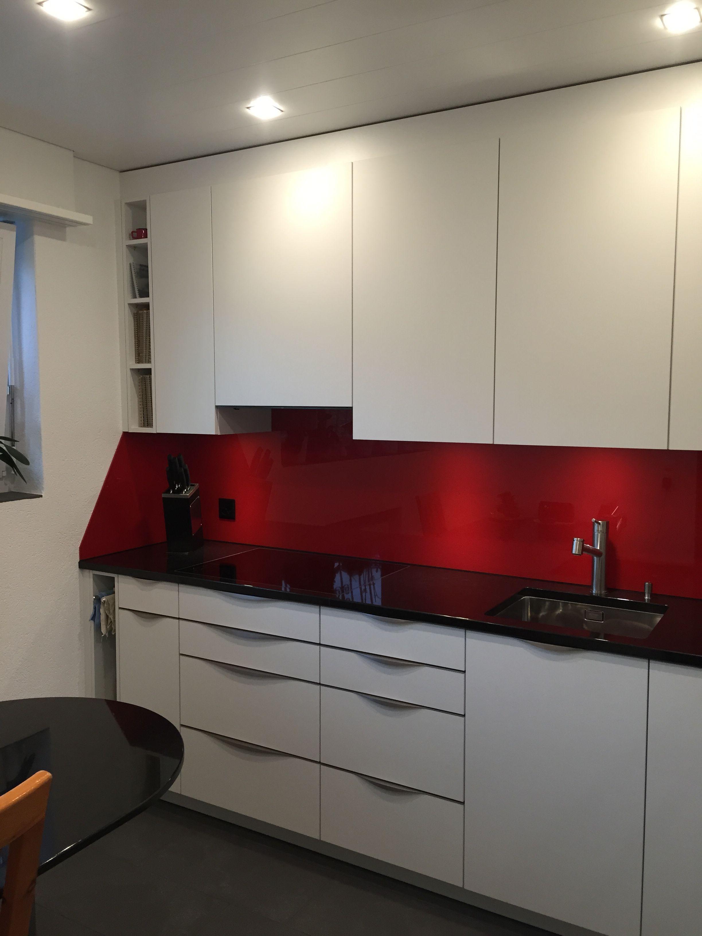 wir finden auch f r ihre k che eine harmonische kombination der farben agenturunsac. Black Bedroom Furniture Sets. Home Design Ideas