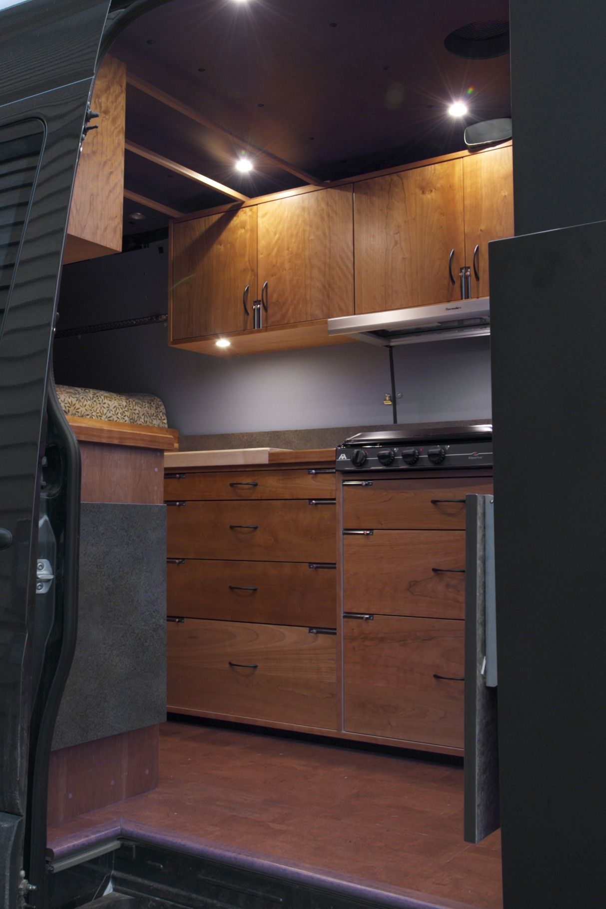 d2ec91a092 Sprinter RV conversion by Allen Sutter