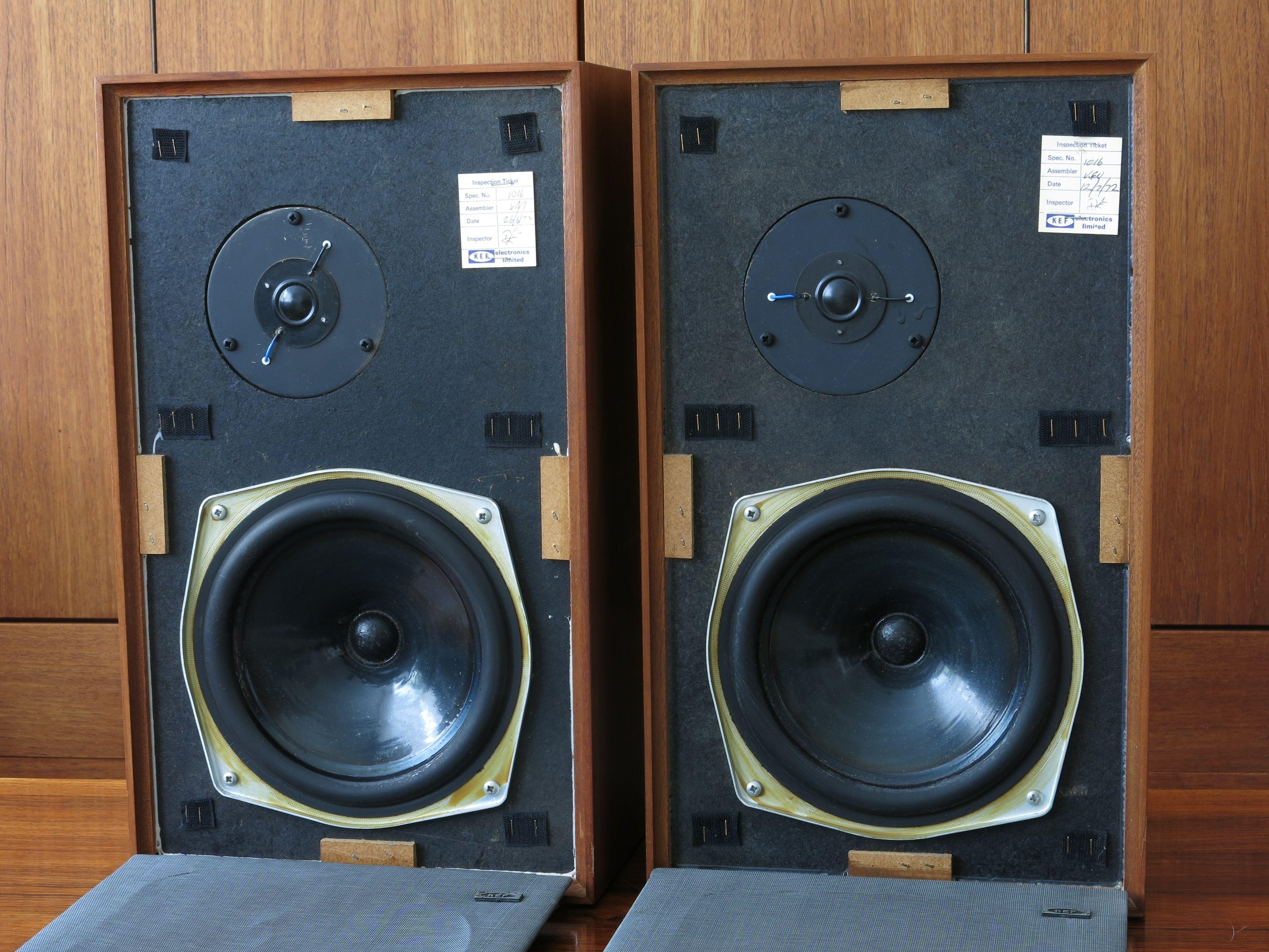 Vintage 1972 Kef Loudspeaker Boxes Model Chorale 1016 Old Badge Vintage Speakers Kef Noise Makers