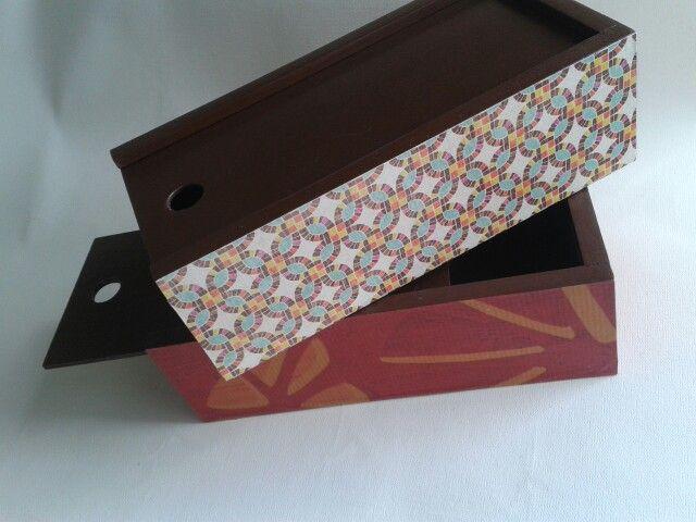 Cajas MDF, pintura acrilica y papel