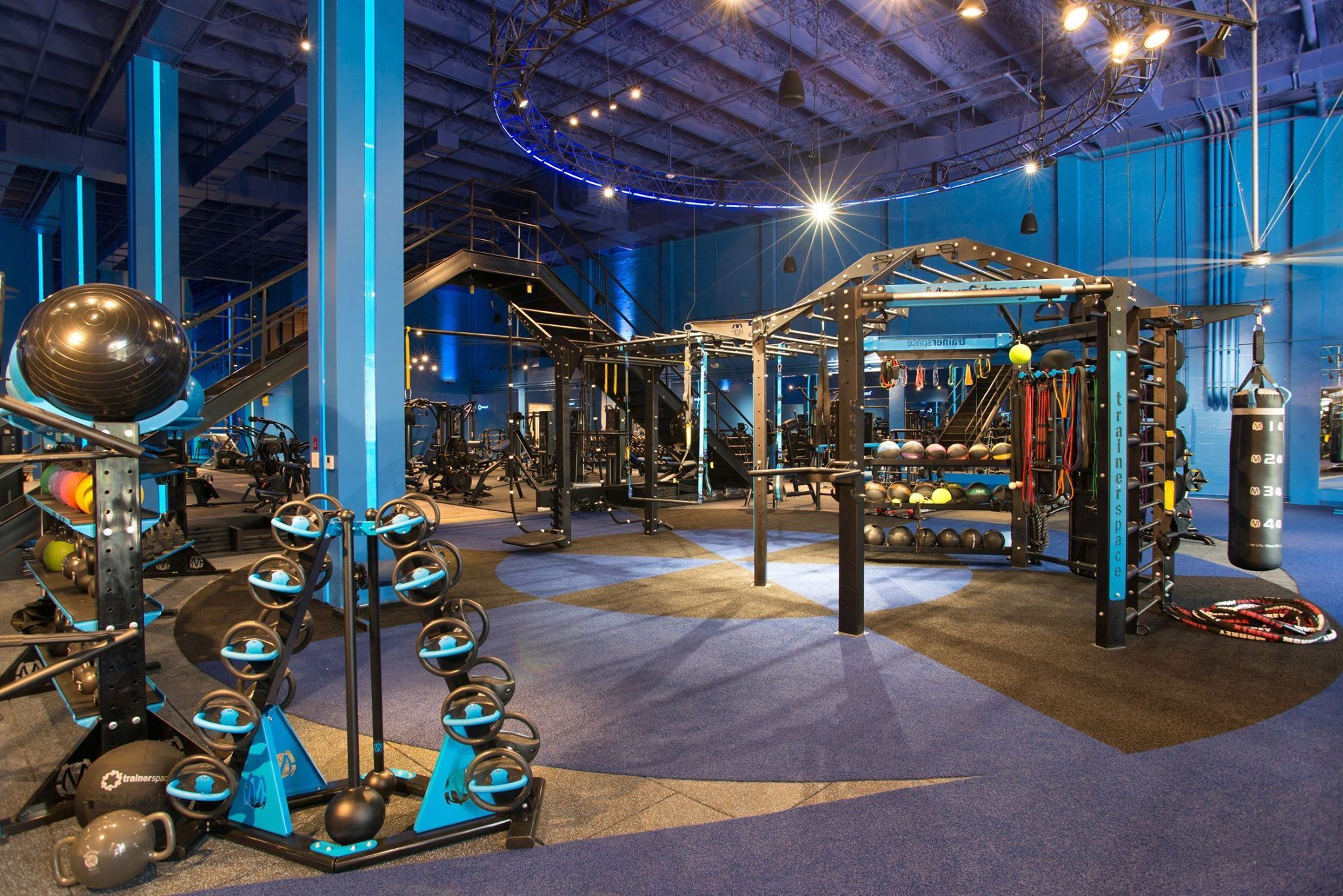 Gym design and layout of functional fitness training area ...