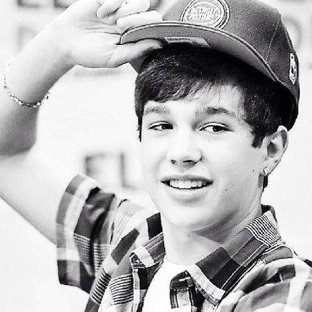 austin mahone. how much i wanna meet this kid is off the charts!