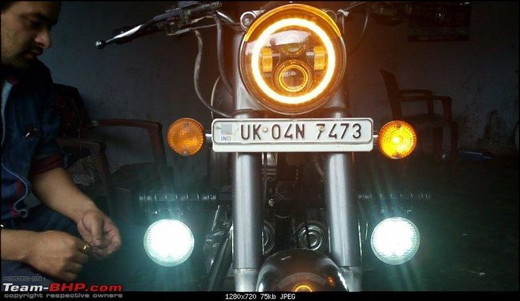 Photo of Royal Enfield Interceptor 650 Cafe Racers