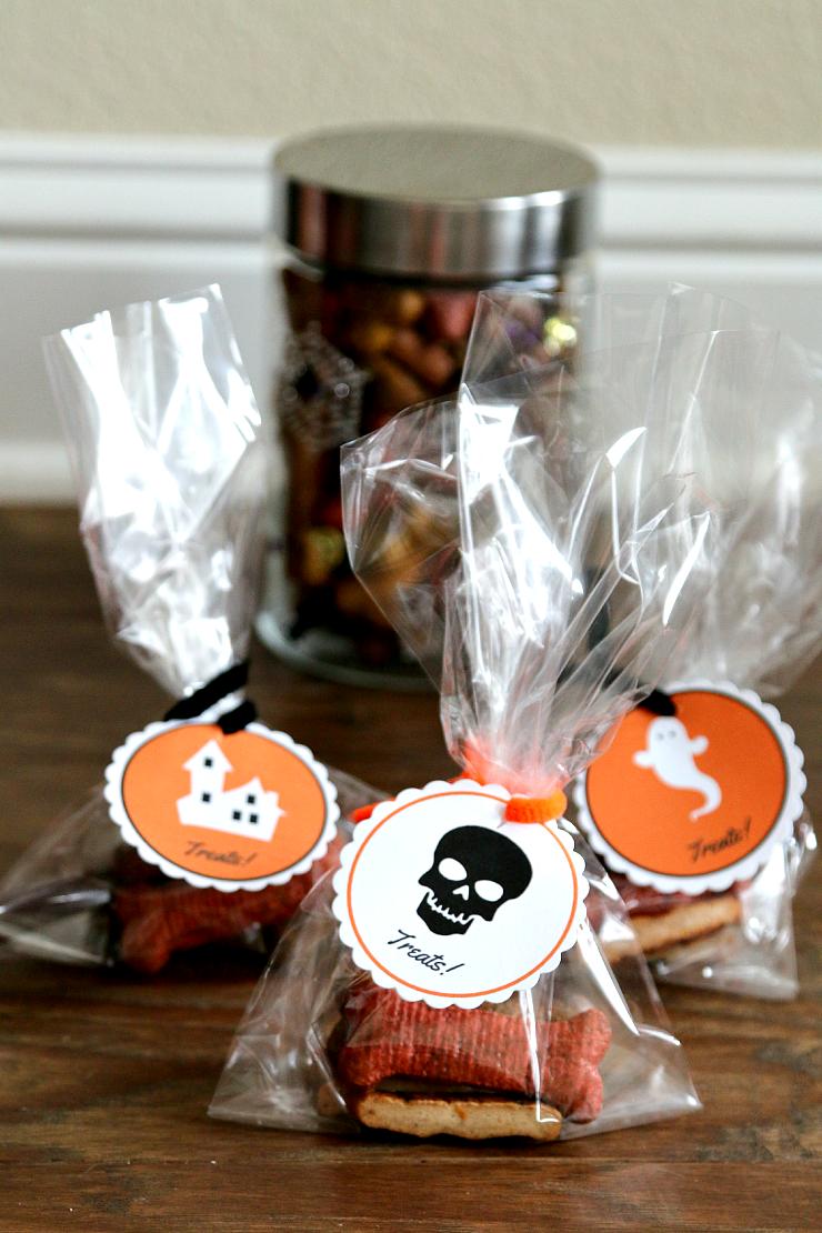 Free Halloween Printable Doggie Bag Tags Halloween gift