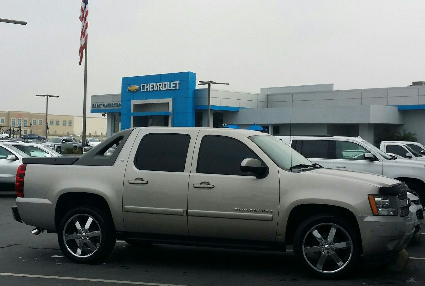 2010 chevrolet avalanche fuel krank d516 chrome rims 20x9 and 20 offset 305 55 20 fuel wheels in action pinterest rims online wheels and