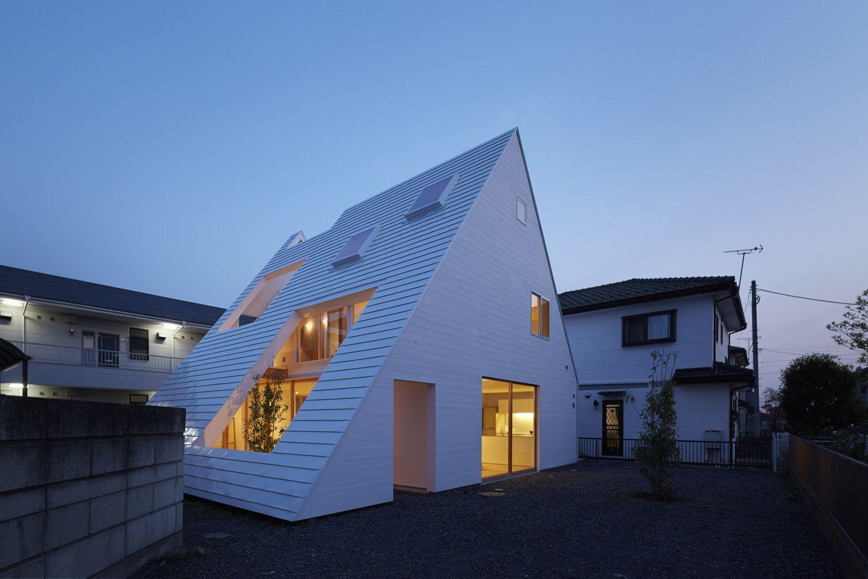 屋根裏部屋の家 House In Utsunomiya 2020 ホームウェア 屋根裏