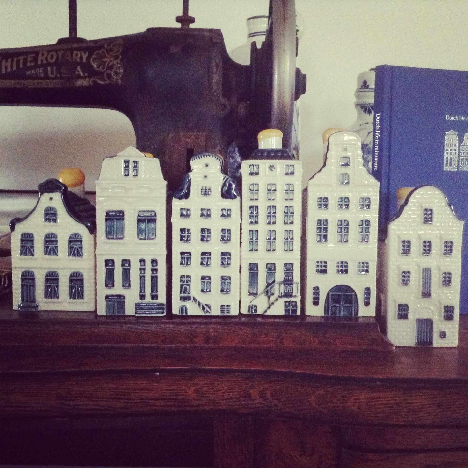 Dollhouse Miniatures Amsterdam: KLM Dutch Liquor Houses Delft Blue Amsterdam