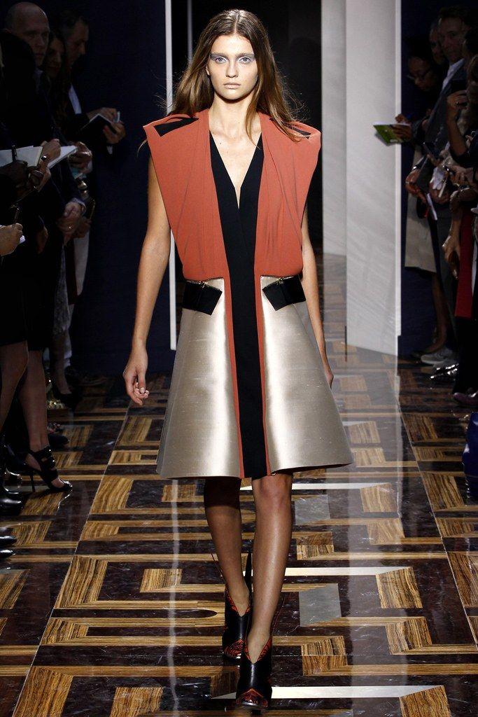 Balenciaga Spring 2012 Ready-to-Wear Fashion Show - Ella Kandyba (NEXT)