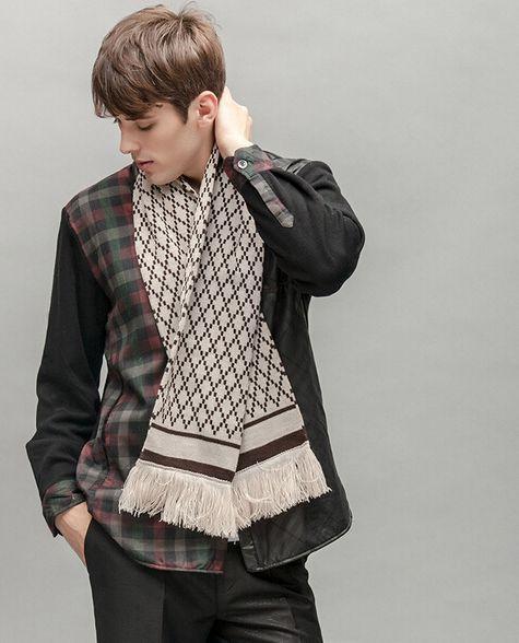 e5a14e31a23 Мужские шарфы 2017-2018 года модные тенденции (78 фото)  брендовые шарфы  осень-зима
