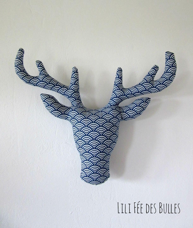 troph e t te de cerf en tissu bleu et blanc imprim cailles campagne pinterest tissu bleu. Black Bedroom Furniture Sets. Home Design Ideas