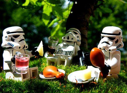 Decorate your garden party   Lego star wars, Lego star, Lego