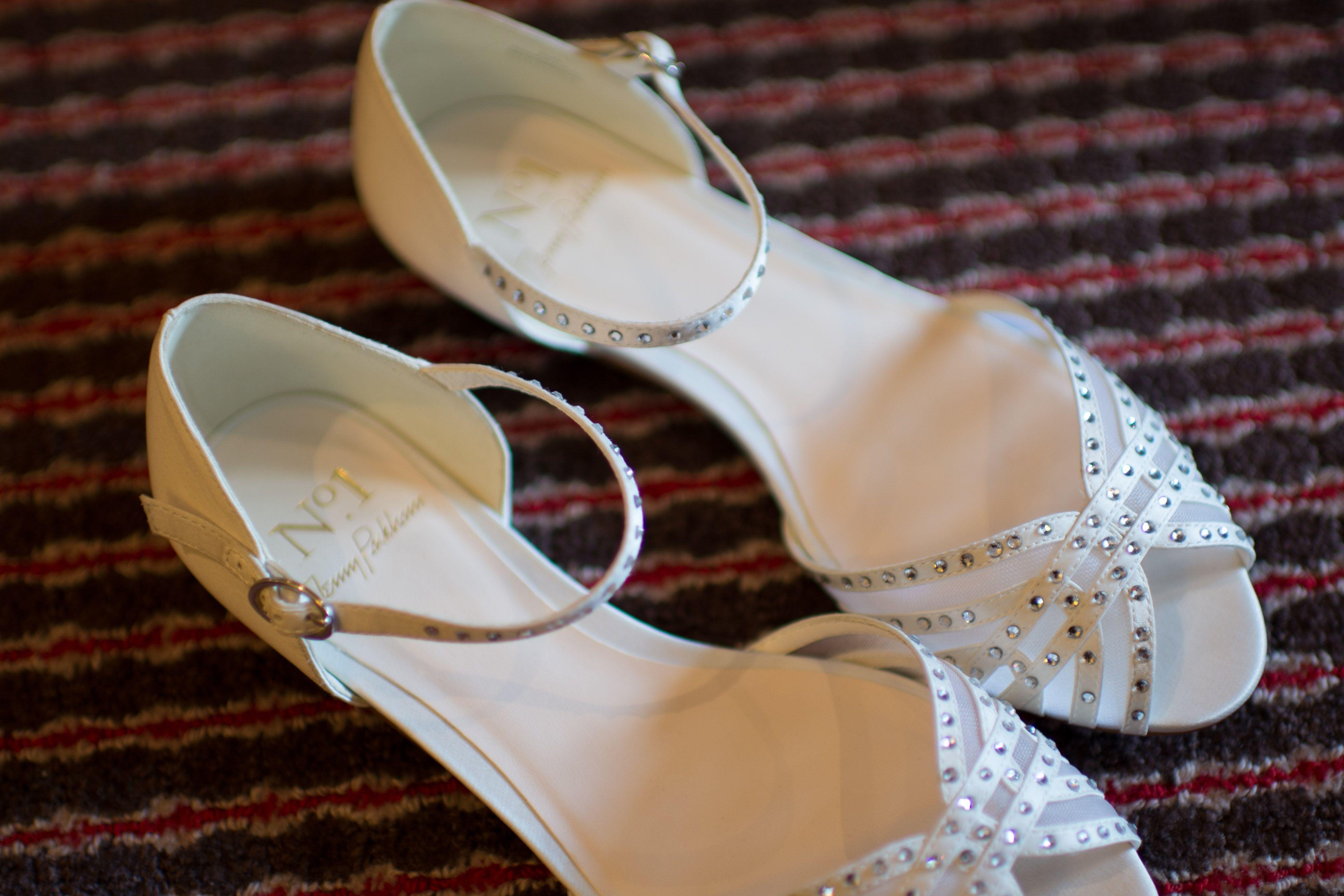 Betsey Johnson Womens Livie Satin Open Toe Special Ivory Satin Size 110 APnH