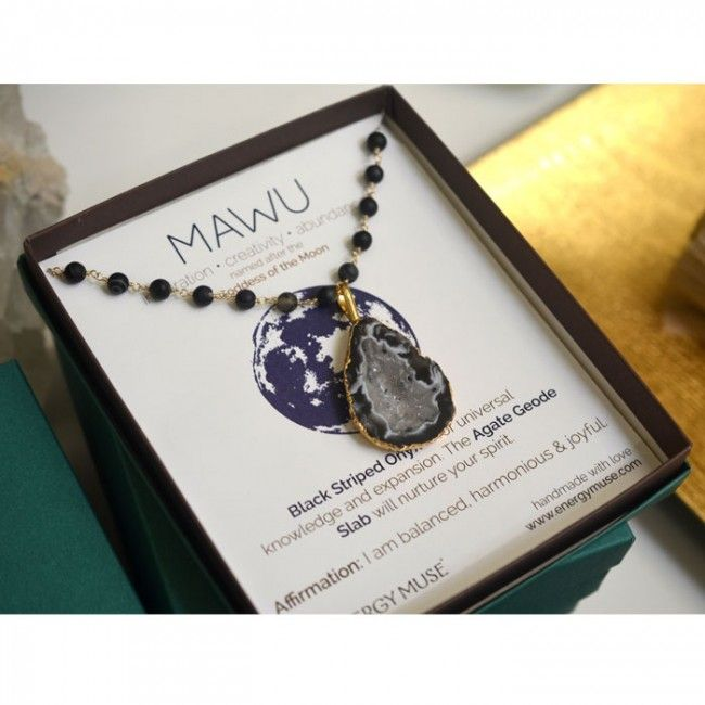 Made with Black Striped Onyx & Agate, the Mawu Necklace embodies the essence of the goddess of night, joy, wisdom and knowledge. #mawu #Agate #Geode #Healing #necklace