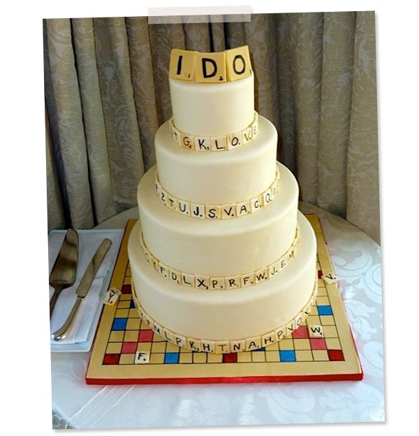 wedding cake board ideas idea we scrabble wedding cake scrabble heavens 22032