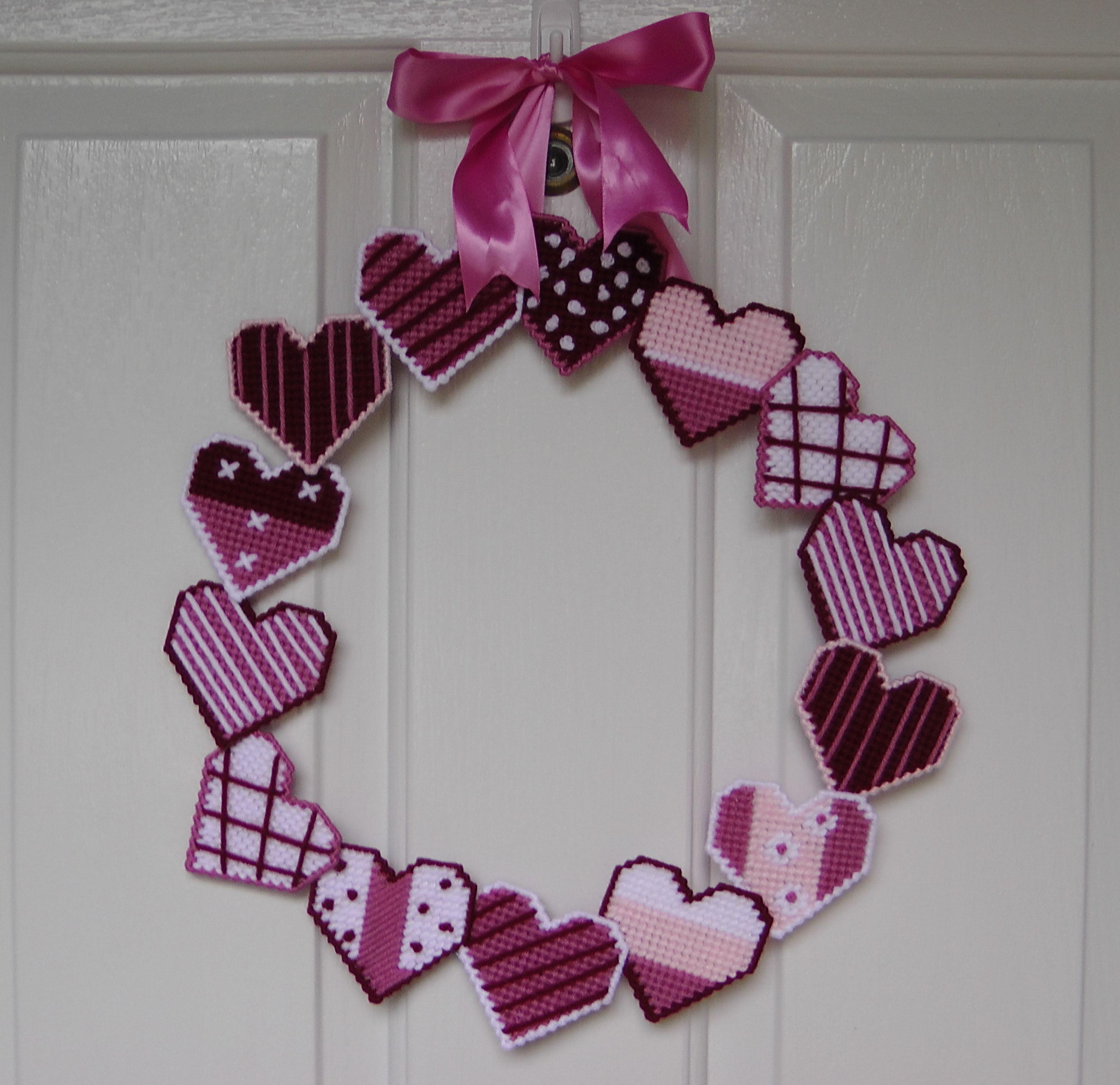 San Valentin Decoration Corona Con Corazones Para San Valentin Plastic Canvas Visitame