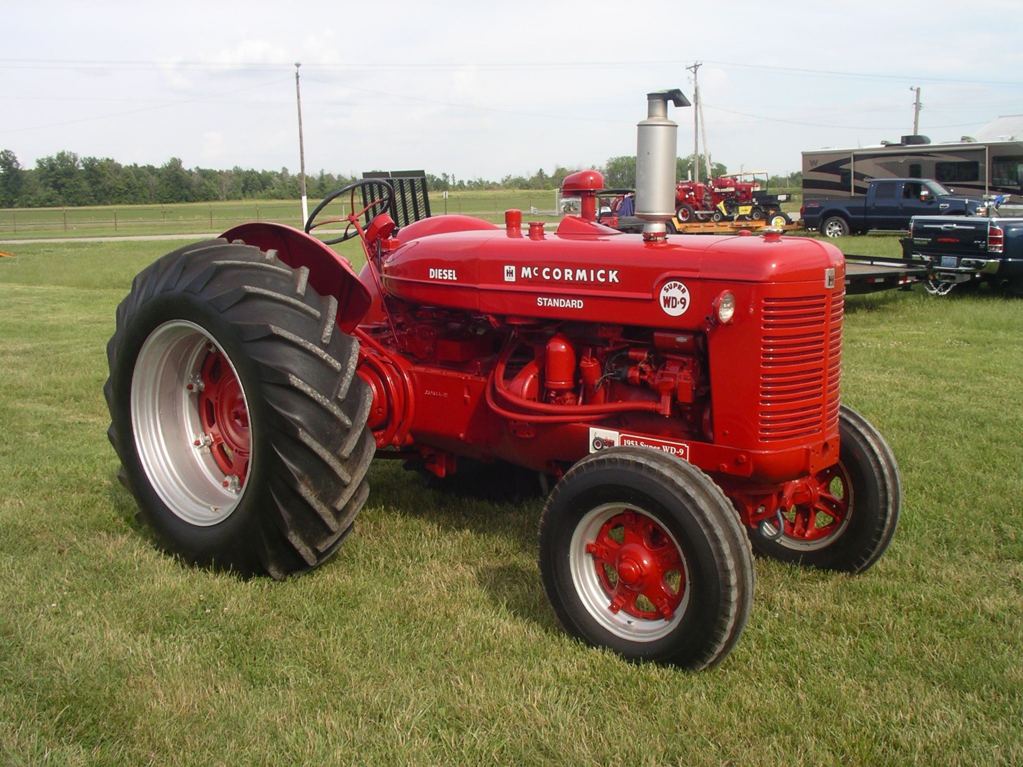 Antique Tractors In Ohio : Mccormick super wd red power round up lima oh