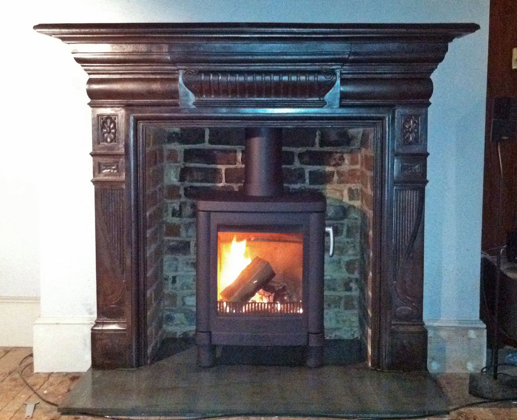 Original Victorian Cast Iron Surround With Slate Hearth