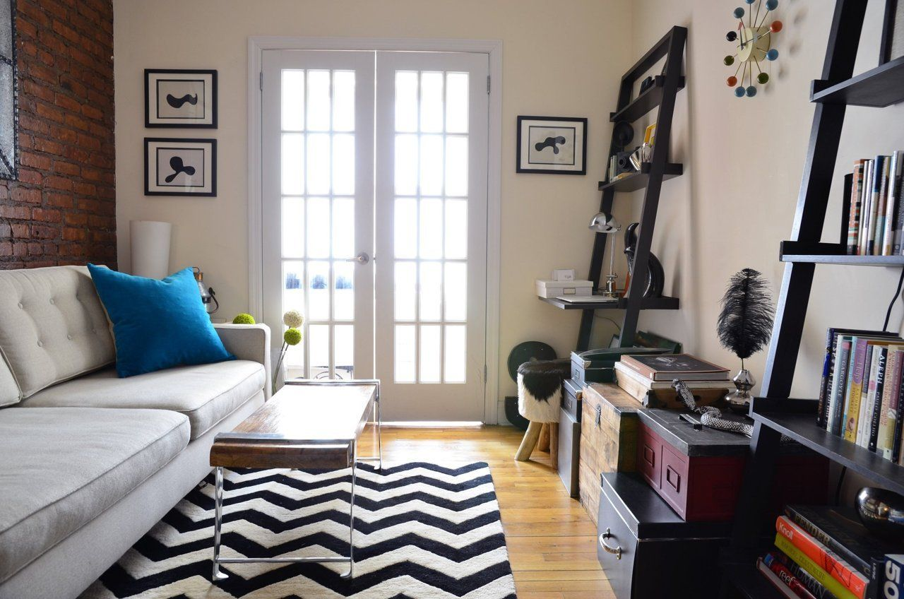 "A ""Rebellious Chic"" Tiny 224-Square-Foot NYC Apartment ..."