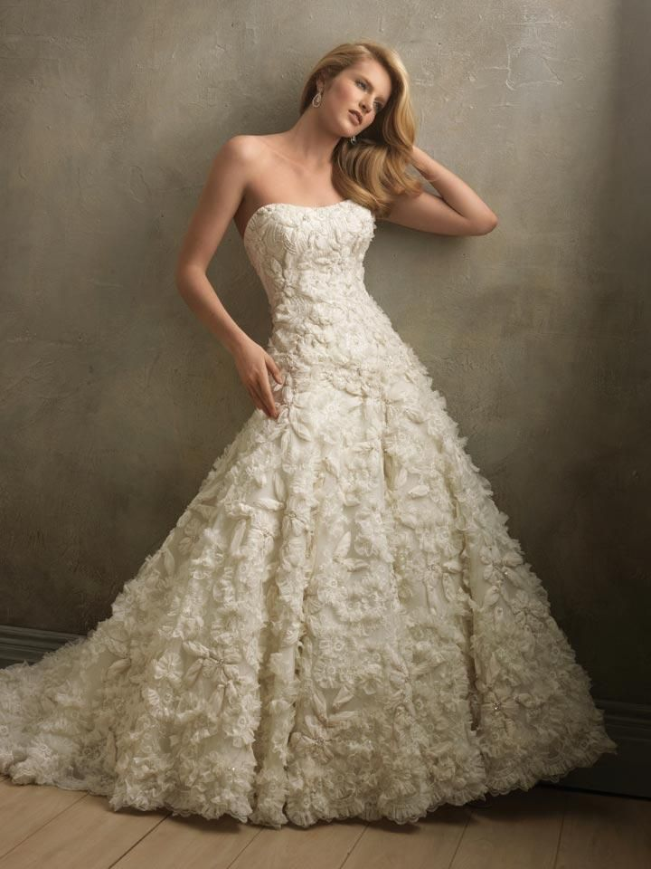 1000  images about wedding dresses on Pinterest  Flower ball ...