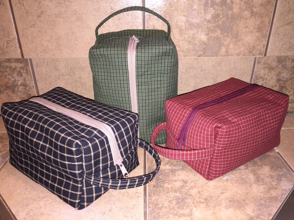 bb2cc348b419 Free 1 hour Dopp kit tutorial | DIY men's toiletry bag, sewing for ...