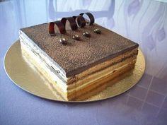 Opéra (biscuit Joconde - crème café - ganache chocolat)