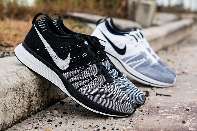 nike flyknit trainer grey white