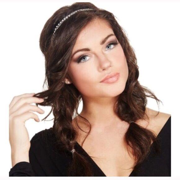NWT dainty rhinestone silver headwrap Brand new Accessories Hair Accessories