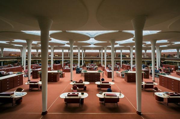 Johnson Wax Headquarters   Racine, Wisconsin   Frank Lloyd Wright   photo by William Zbaren