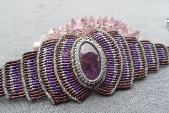 handmade macrame stone bracelet with amethyst cabochon and adjustable size