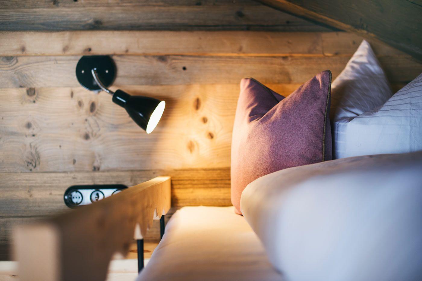 Schlafzimmer Auf Der Berghutte Sporer Alm Im Zillertal Skihotel Osterreich Zillertal Urlaub Reisen