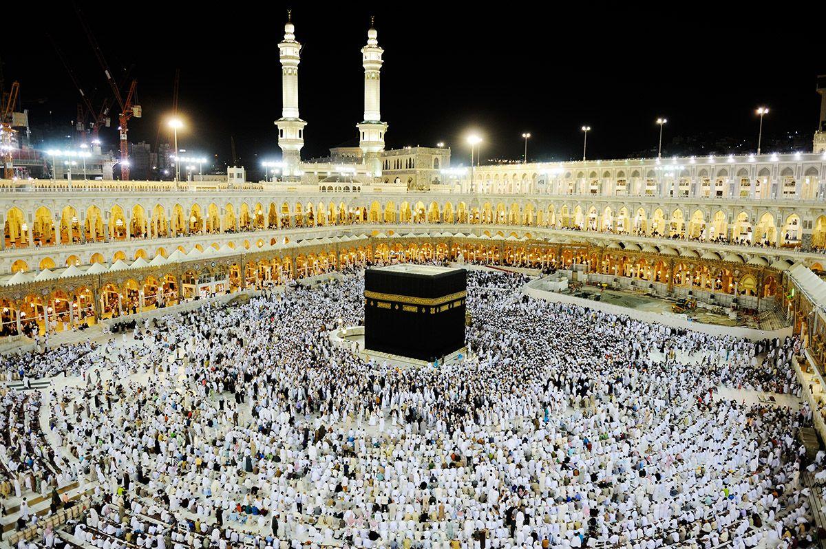 Dit Is Mekka Het Ligt In Saoedi Arabie Het Is De Meest Heilige Plek Voor De Moslims Elke Moslim Moet Als Ze De Geld Ervo Tanah Suci Sejarah Mesir Tempat Ibadah