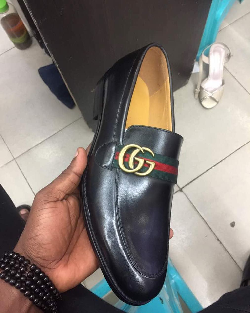 2032204770a8 Mens GUCCI Moccasin Shoes instock. PRICE TAG  GH₵ 350 SIZE  EUR 41 ...