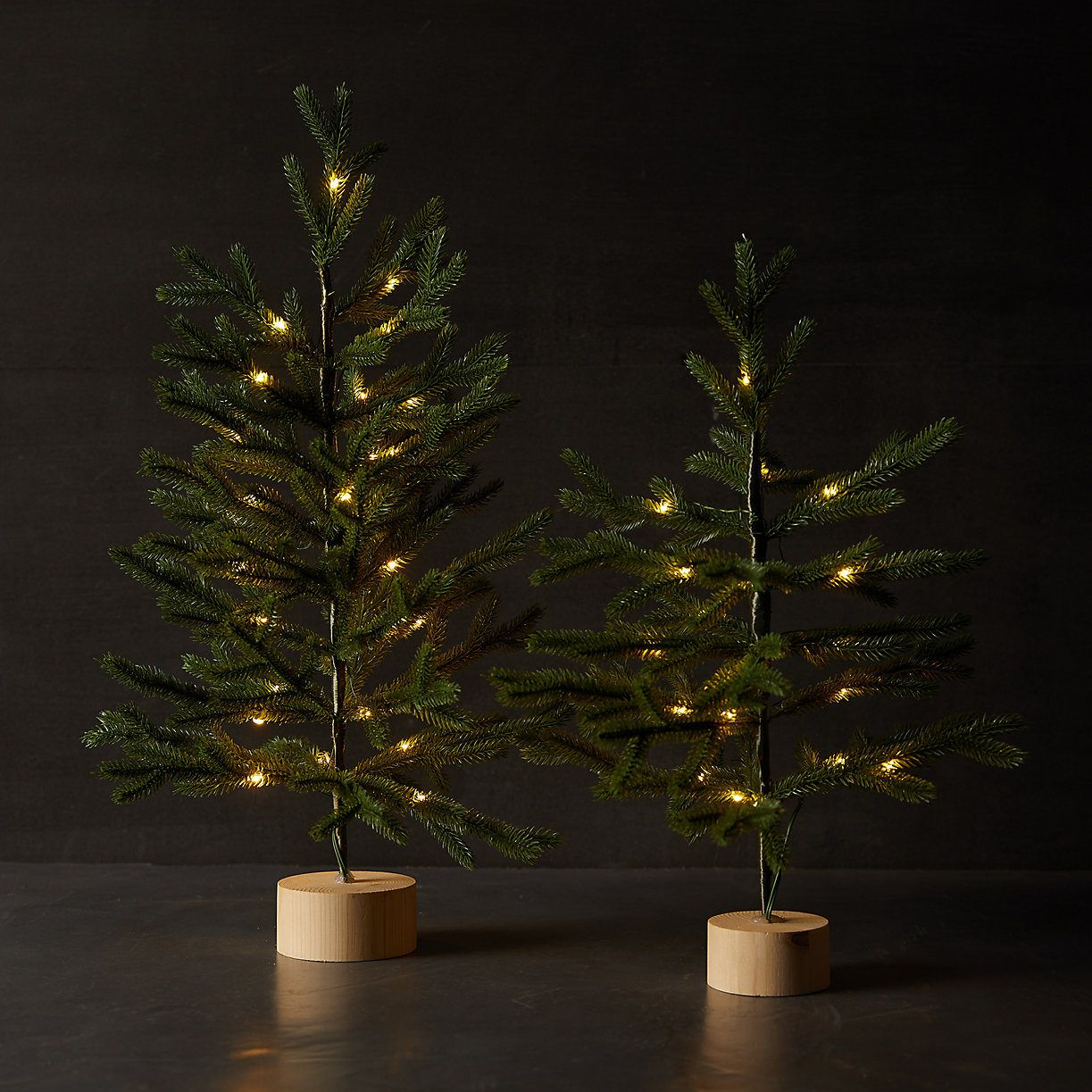 Faux Pre Lit Tabletop Tree With Wood Base Christmas Decorations Christmas Decor Inspiration Potted Trees