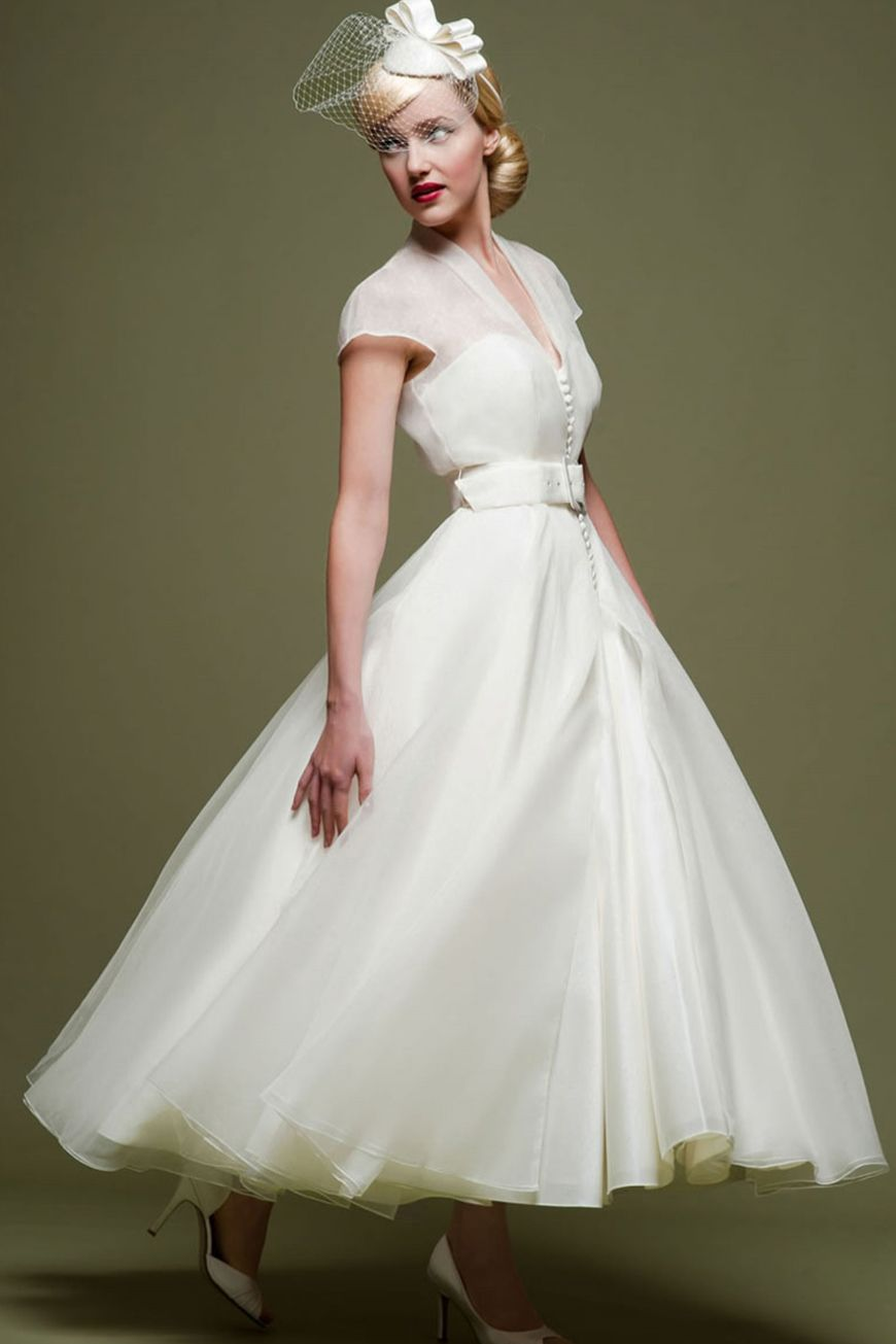 Wedding Style Through The Decades Wedding Trends Of 1950s Amp 1960s Chwv Tea Length Wedding Dress Vintage Online Wedding Dress Short Wedding Dress [ 1305 x 870 Pixel ]