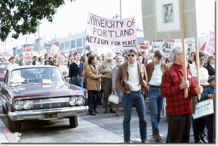 Near The Intersection Of San Francisco S Geary And 3rd Avenue People Participate In The April 24 1971 Anti Vietnam Vietnam Protests Vietnam War North Vietnam