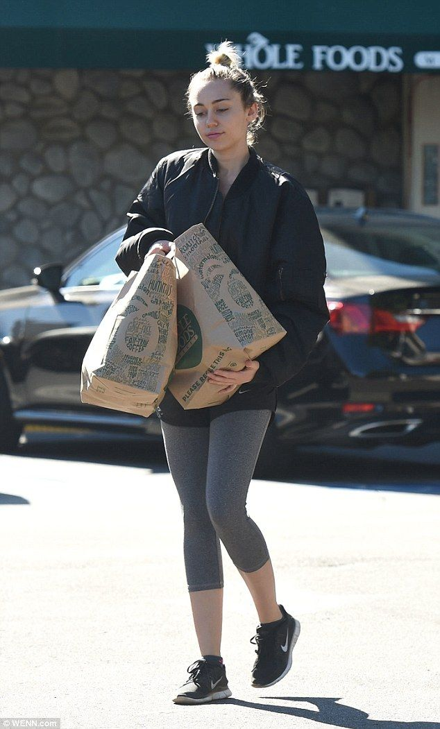 , Miley Cyrus ditches her usual outlandish outfits in favour of gym wear, My Pop Star Kda Blog, My Pop Star Kda Blog