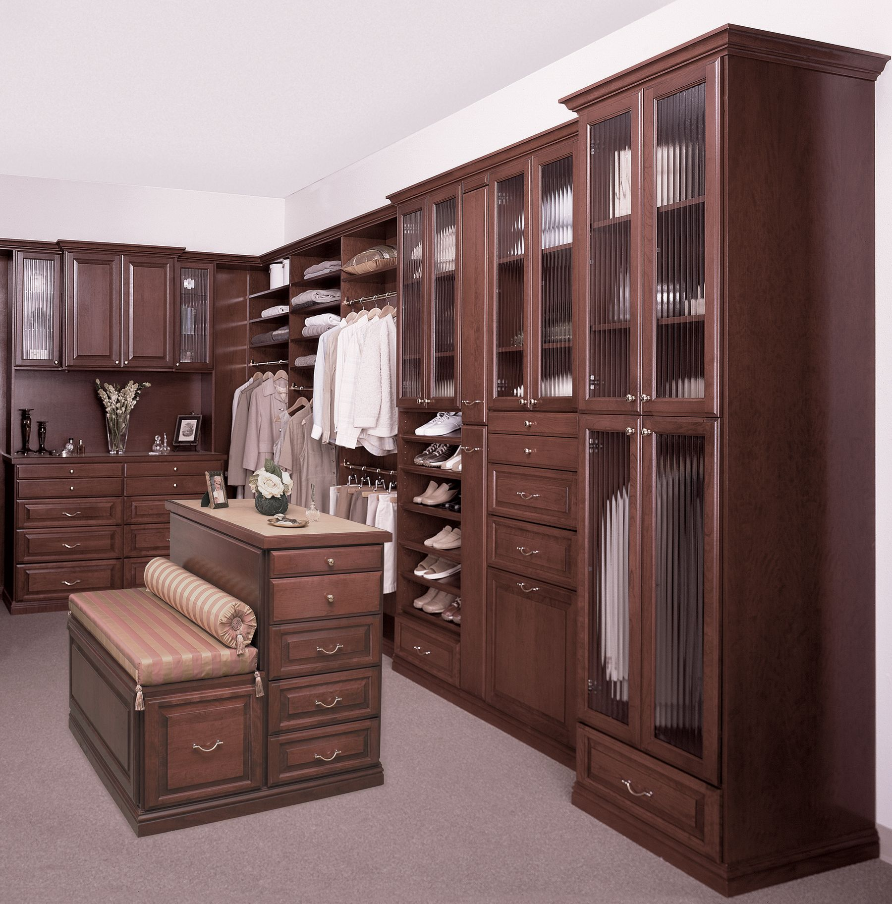 Best Uncompromisingly Crafted This Walk In Closet Is Accented 640 x 480