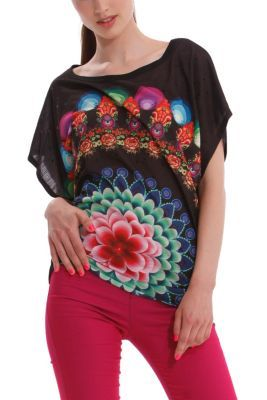 Desigual women's Delrio oversize T-shirt. It features printed see-through sequin detailing along the front which gives this garment a night-time party feel.