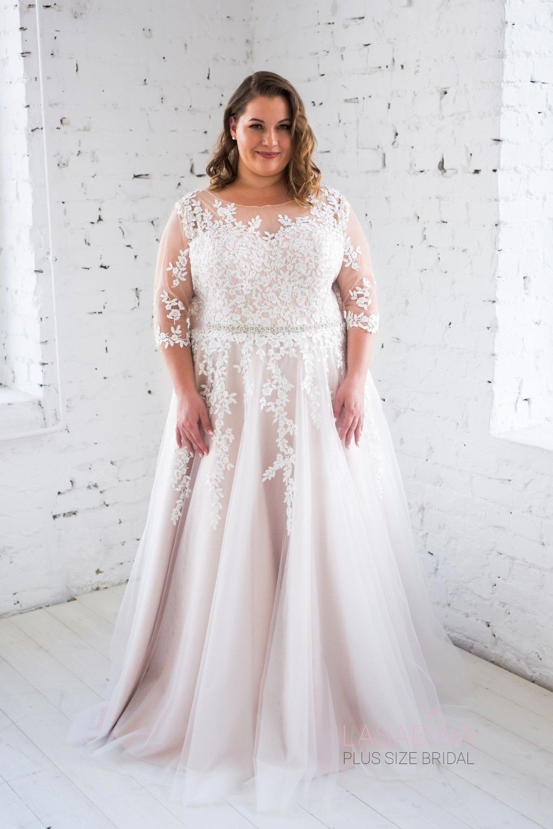 Adrienne I Plussizebridal Collection by LASABINA: Prinzessin