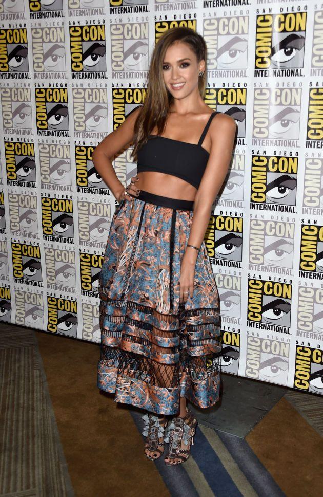 """La actriz optó por esta pieza de seda con estampado tropical, parte de la colección Resort 2015, para promocionar su participación en el filme """"Sin City: A Dame to Kill For""""."""
