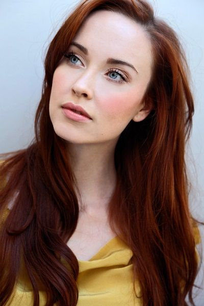 Exclusive Interview Elyse Levesque On Her Career Future Dreams And New Role On Cedar Cove Red Hair Woman Elyse Levesque Beauty