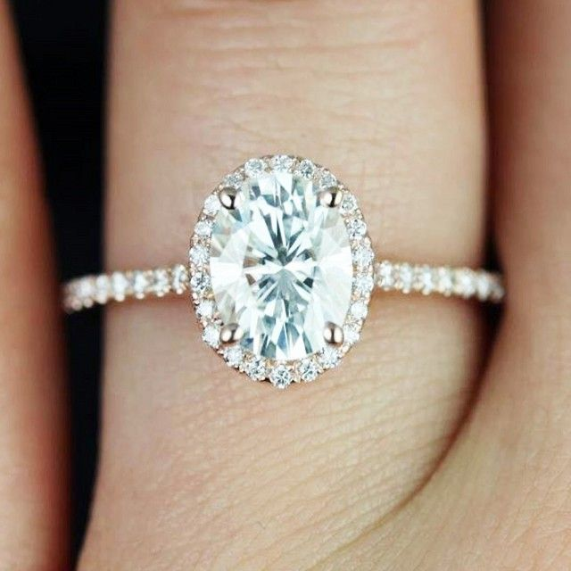 7 real girls with the prettiest engagement rings - Prettiest Wedding Rings