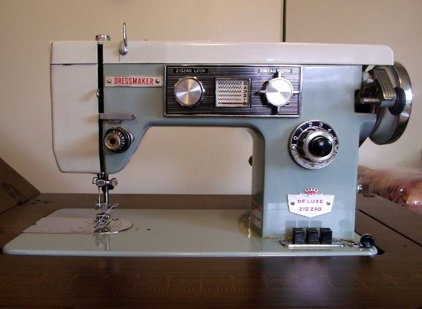 Dressmaker Class 40 Clone Manufactured By Matsushita A Stitch In Stunning Sewing Machines Plymouth